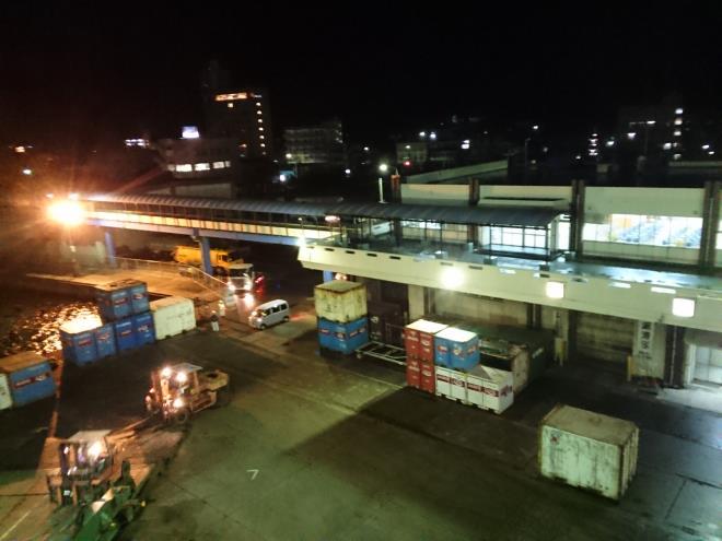 名瀬新港に寄港