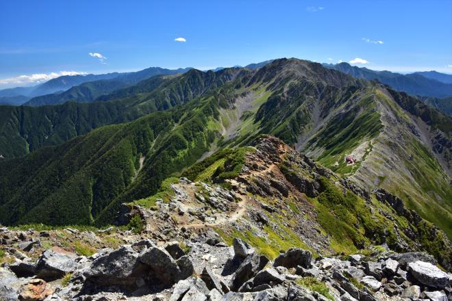 間ノ岳に続く登山道