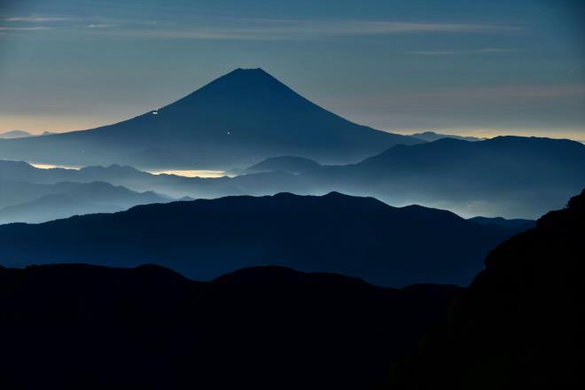 夜の富士山