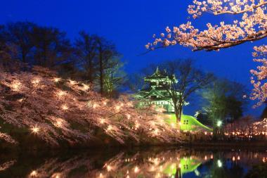 高田城三重櫓のライトアップ